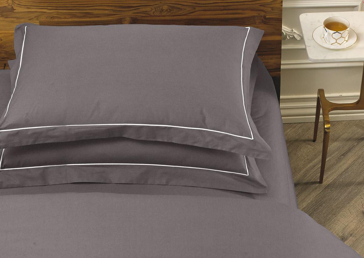 Platinum Deluxe Pillow Shams